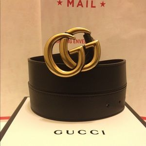Gucci black leather gold double g buckle belt